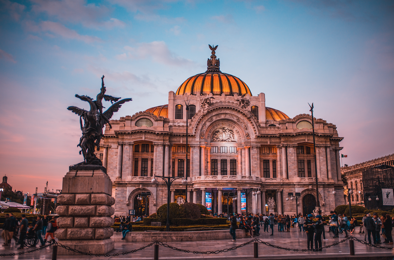 The Mexican Government ordered the disappearance of public trusts without an organic structure.